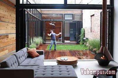 mendekorasi rumah saat musim hujan
