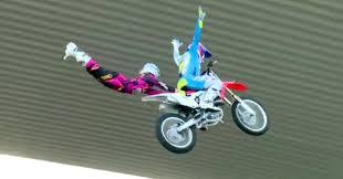 Terbang Tandem Diatas Motocross
