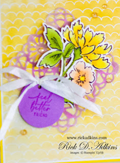 Check out my card that I cased from the Catalog using inspiration from a box created using the Hand Penned Petals Suite from Stampin' Up! Click here