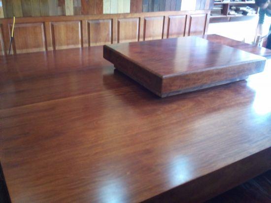 Lưu ý bảo quản đồ gỗ để không cho bụi bẩn bám vào