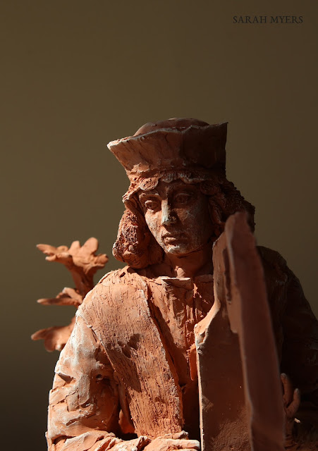 David, king, harp, music, sculpture, escultura, skulptur, scultura, art, arte, kunst, terracotta, clay, red, earthenware, medieval, sixteenth, century, details, Sarah Myers, kunstwerk, sgraffito, biblical, renaissance, classic, figurative, contemporary, ceramic, pensive, boots, tree, jesse, figure, face, head, eyes, close-up, hair, hat, fur, instrument