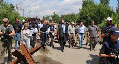 Разведение войск в Станице Луганской завершено
