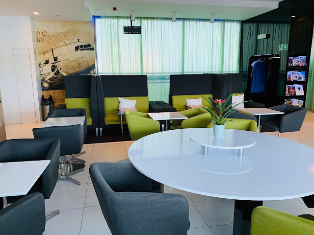 Menzies Aviation Lounge Review