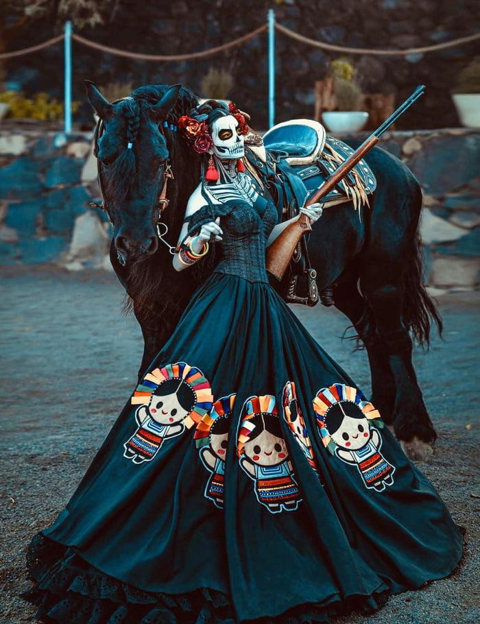 Roupa típica usada no concurso de Miss México 2020