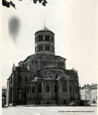 Eglise saint Austremoine d'Issoire, 1954.