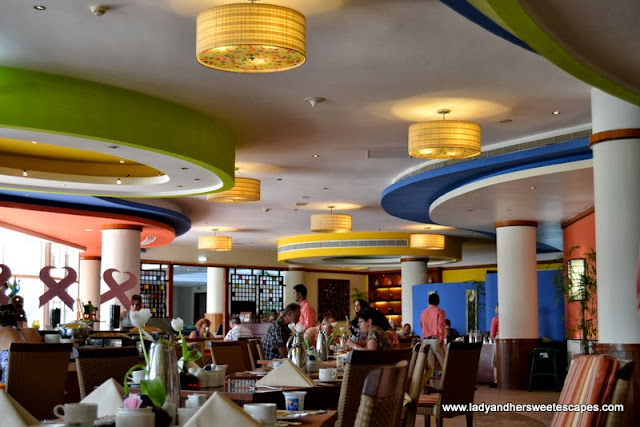 a huge fancy family restaurant in Fujairah