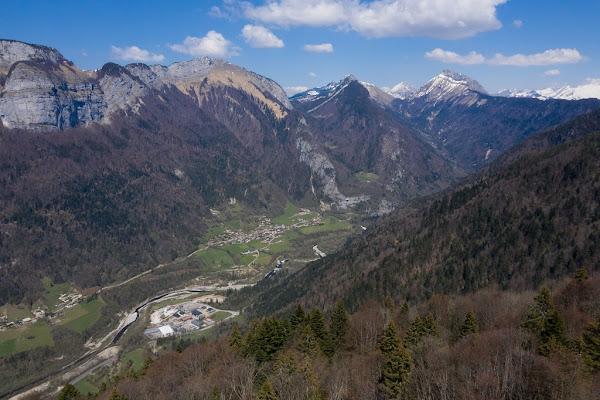 Alpes italiennes : un refuge fondé par un prêtre aide les migrants à passer en France