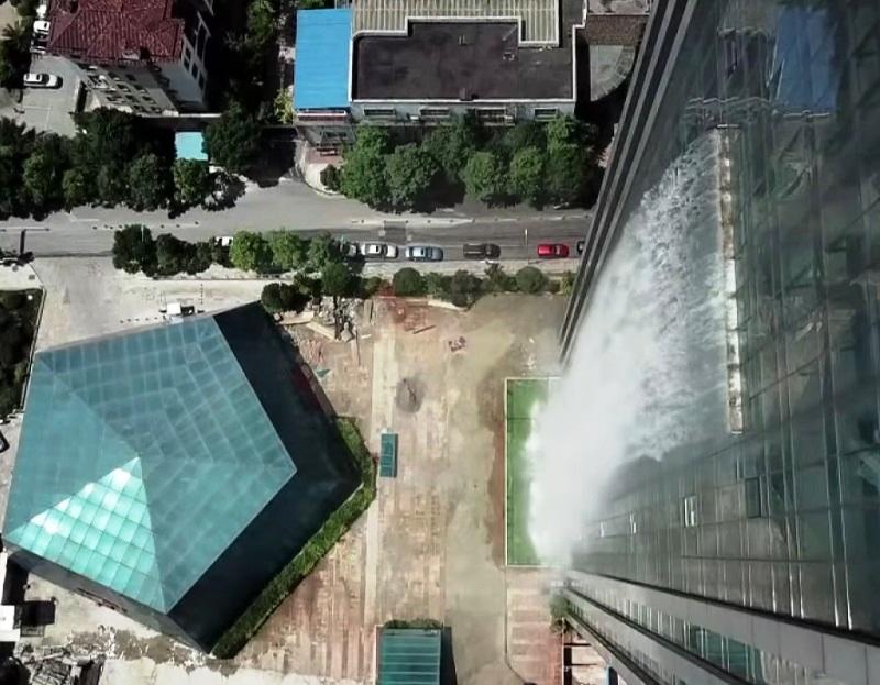 Guiyang Waterfall Building - The World's Biggest Man-Made Waterfall In China's Skyscraper