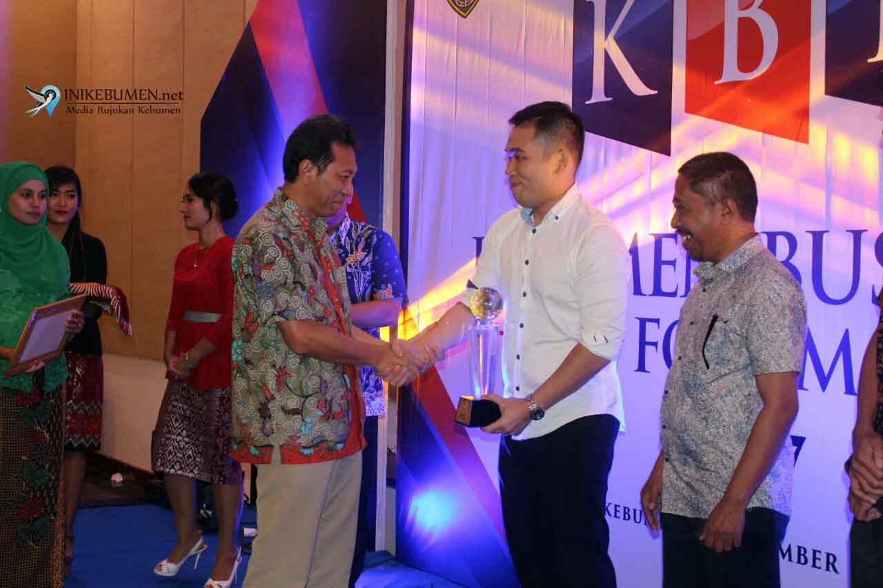 Meotel Kebumen Raih Penghargaan Perusahaan Terbaik pada KBF 2017