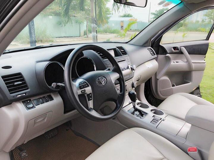 Sau 9 năm, Toyota Highlander cũ có giá ngang Hyundai Tucson