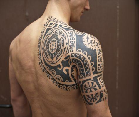 tatuaje maori de tortuga