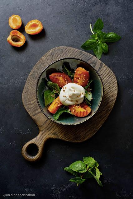 barrata , mozzarella , abricots , menthe , basilic , recette facile , recette fraîche