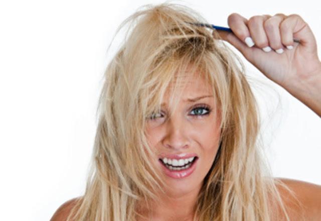 Démêler ses cheveux, les méthodes naturelles qui marchent