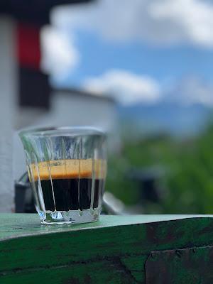 Espresso, Terrasse, Bergblick, Garmisch-Partenkirchen, Outdoor-Bereich, Patio, 4Eck, Restaurant, Restaurantterrasse, Bergpanorama, Alpspitzblick