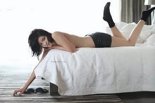Foto Nakal Agni Pratistha Mantan Putri Indonesia Berpose Hot Di Majalah Dewasa 7