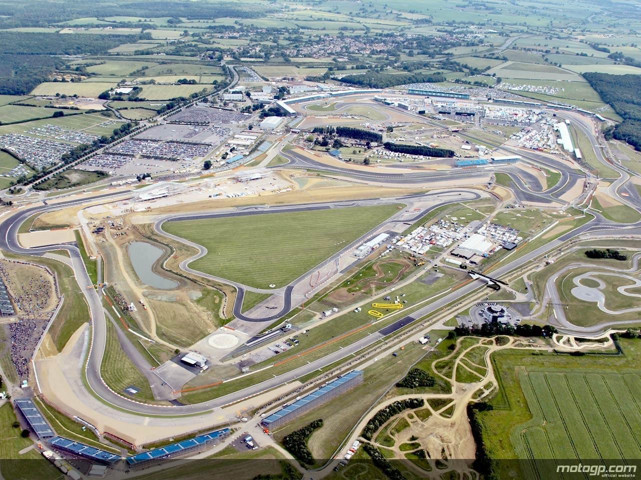 motoblogn motoblogn 39 s 2012 motogp race track google map views. Black Bedroom Furniture Sets. Home Design Ideas