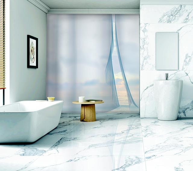 toile murale salle de bains vue mer en bleu