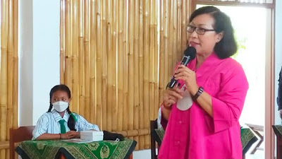 Santy Sastra, Santy Sastra Public Speaking, BNN Propinsi Bali,  SD SMP Tunas Harapan Jaya (2)