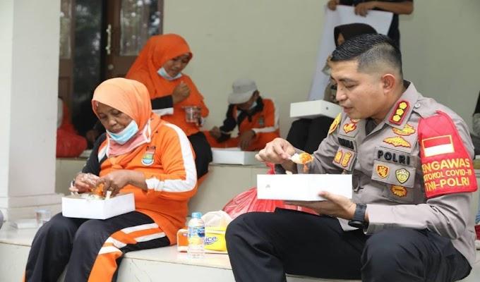Peringati HPN 2021, Kapolresta Tangerang dan Awak Media Ngampar Bareng Pesapon