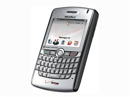 spesifikasi hape Blackberry 8830
