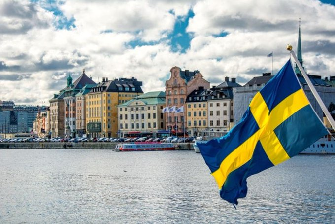 A new law regulates immigration to Sweden by Airplane
