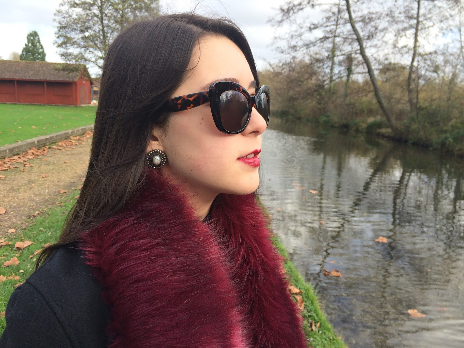 details, ootd, outfit, look, inspiration, fashion blogger, accessories, fur stole, cat eye sunglasses, earrings