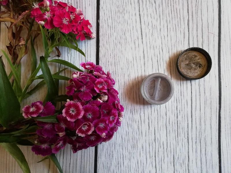 Lily Lolo mineralny cień do powiek Golden Lilac
