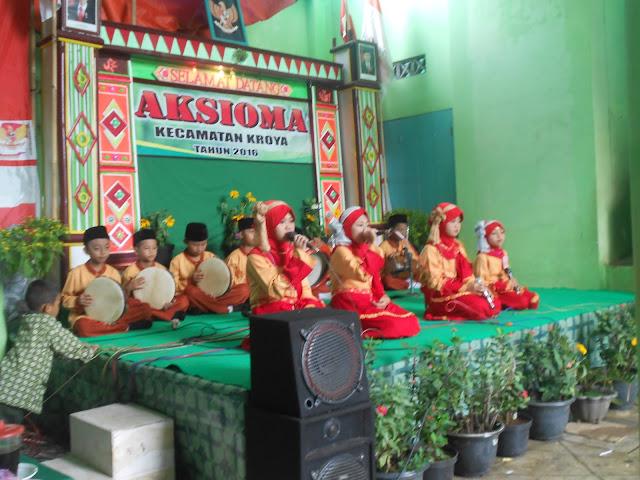 Pahit Manisnya Melatih Hadroh Anak-anak Madrasah