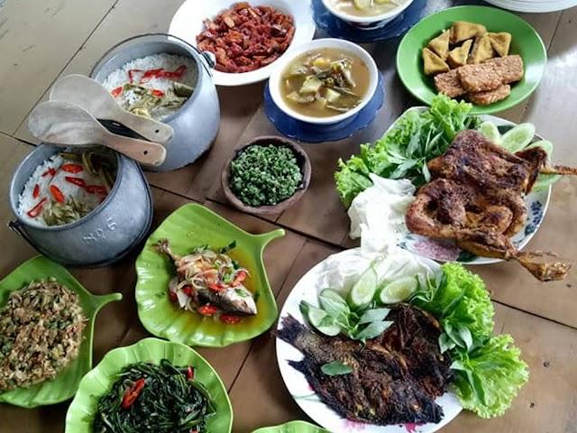 Kosakata Bahasa Sunda Seputar Makanan Tradisional Beserta Contoh Kalimat