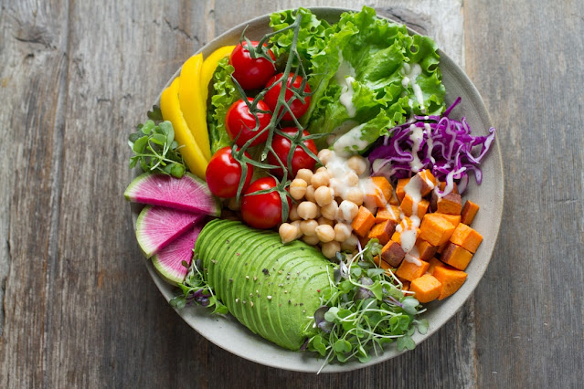 vegan salad foto unsplash