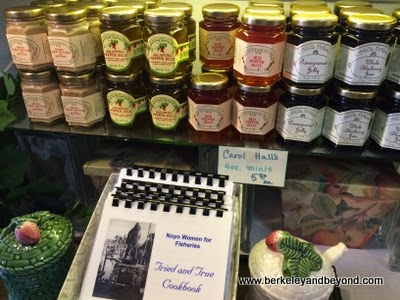Carol Hall's Hot Pepper Jelly Company shop in Fort Bragg, California