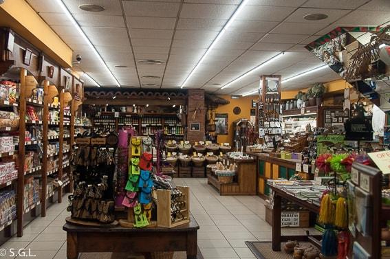 Tienda de Potes. Disfrutando de Cantabria