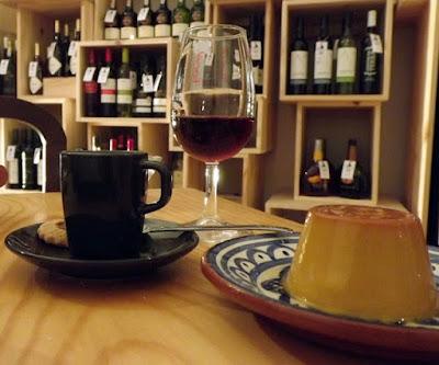 café, doce e vinho do Porto