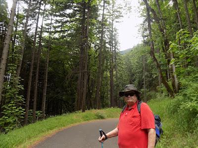 Hiking the Starvation Creek Trailhead west of Cascade Locks in Oregon.
