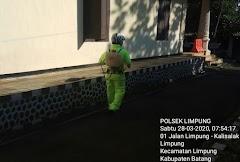 Cegah Penyebaran Covid-19,Anggota Polsek Limpung Melaksanakan Penyemprotan Cairan Disinfektan