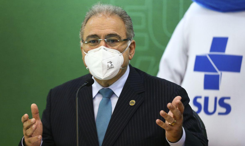 Ministro da Saúde diz que há 'excesso de vacina' no Brasil; 6 estados têm falta para 2ª dose