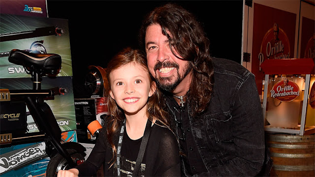 Dave Grohl habla baterista Rush hija