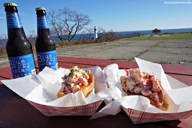 Lobster Rolls de Bite Into Maine con Vistas a Portland Head Light