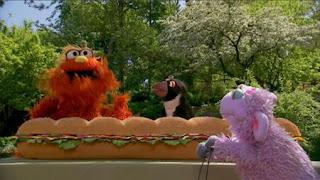 Murray and Ovejita want to measure a large sandwich, Sesame Street Episode 4412 Gotcha season 44