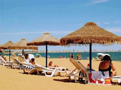 www.viajandoportodoelmundo.com  Lugares para visitar en la Playa Calma de Punta del Este Uruguay