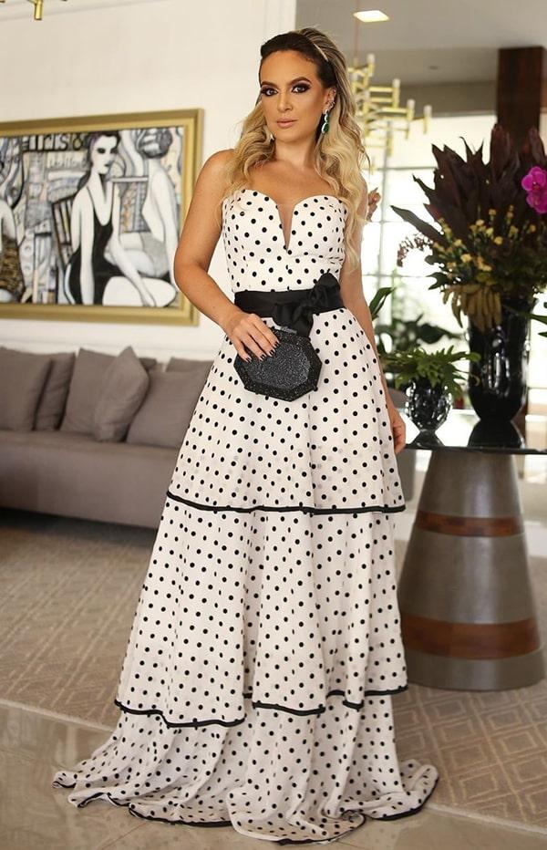 vestido de festa longo de bolinhas poás preto e branco
