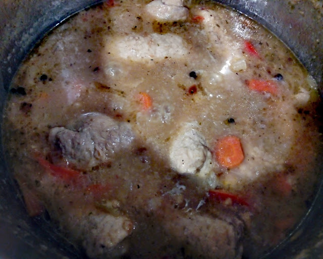 roladki schabowe w sosie zrazy schabowe zraziki schabowe zwijane z warzywami i serem schab w sosie z kluskami i surowka