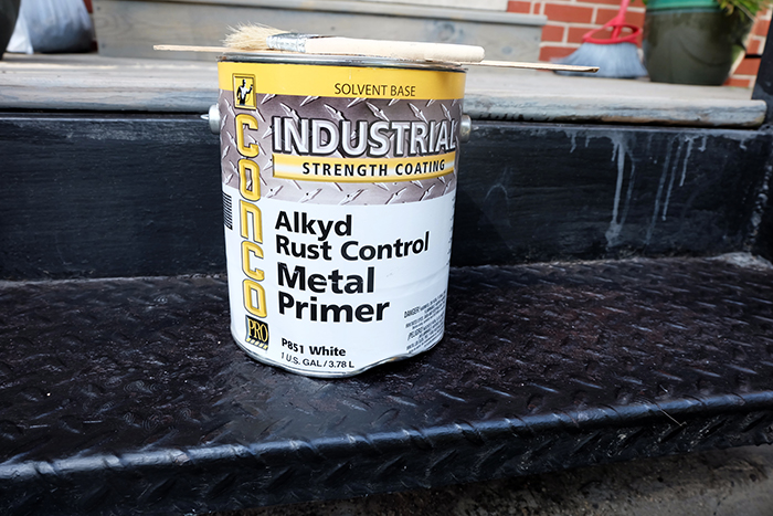 rust control alkyd metal primer can