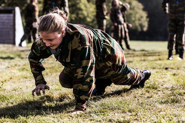 Crown Princess Elisabeth participates in an intensive sports program, and she learns to use camouflage and use weapons
