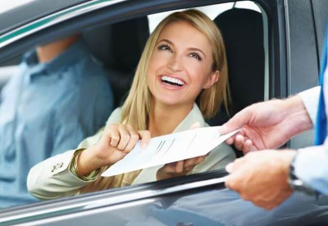 ما الذي تغطيه بوليصة التأمين الأساسية على السيارات؟