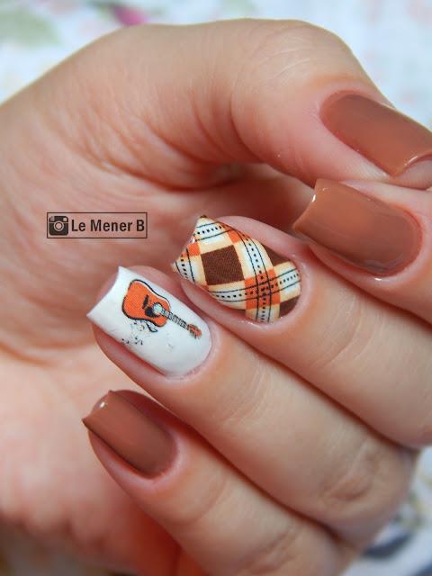 nail-art-quadriculada