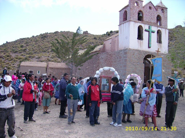 "Parrish fiest ""Exaltacion de la Santa Cruz "" and procession in Oke Orco de Qillacas on 14. of September"