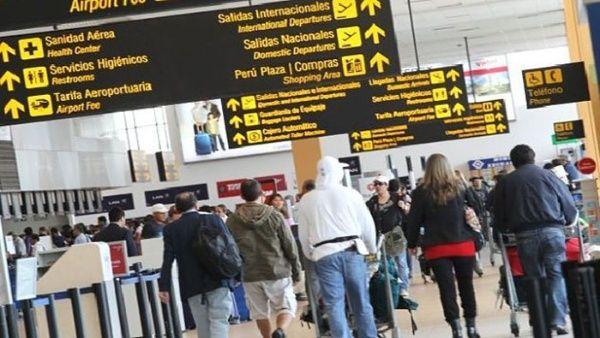 Colombia expulsa turistas por violar aislamiento de coronavirus