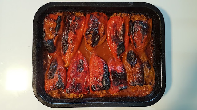 http://macedoniacuisine.blogspot.mk/2016/01/stuffed-peppers-piperki-polneti.html