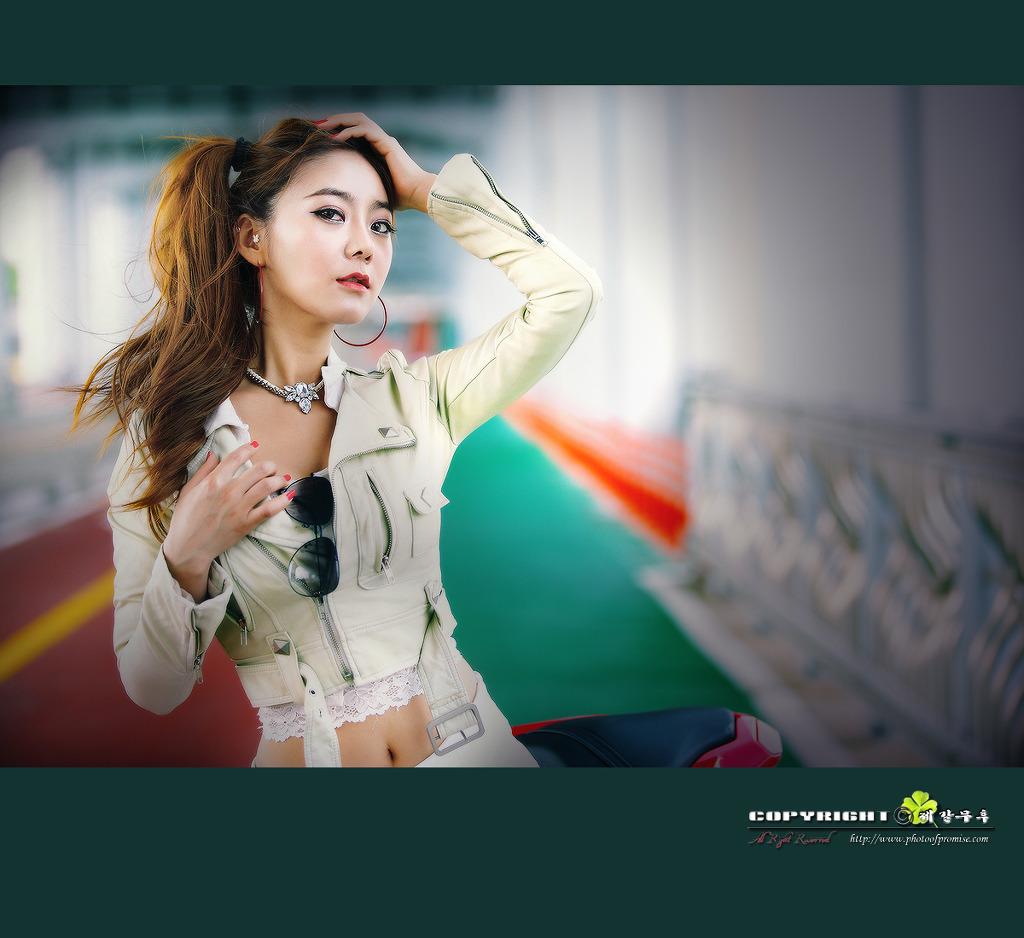 xxx nude girls: Jo Ye Jin and Ducati